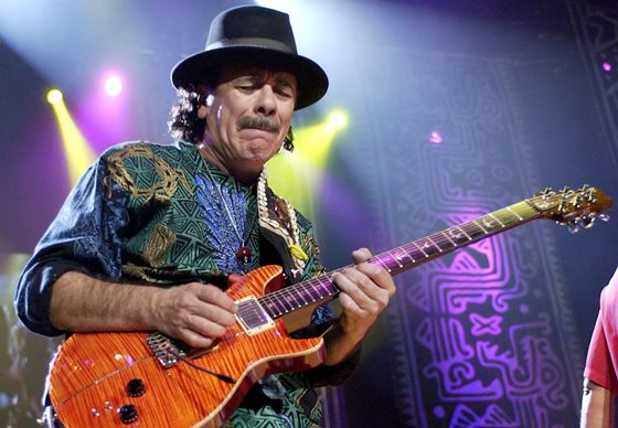 El guitarrista Carlos Santana.