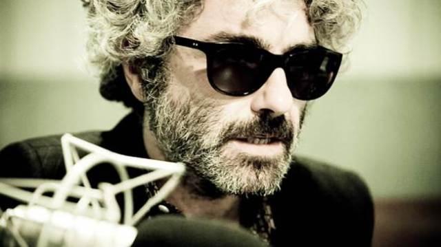 Abraham Boba es la voz de León Banavente.