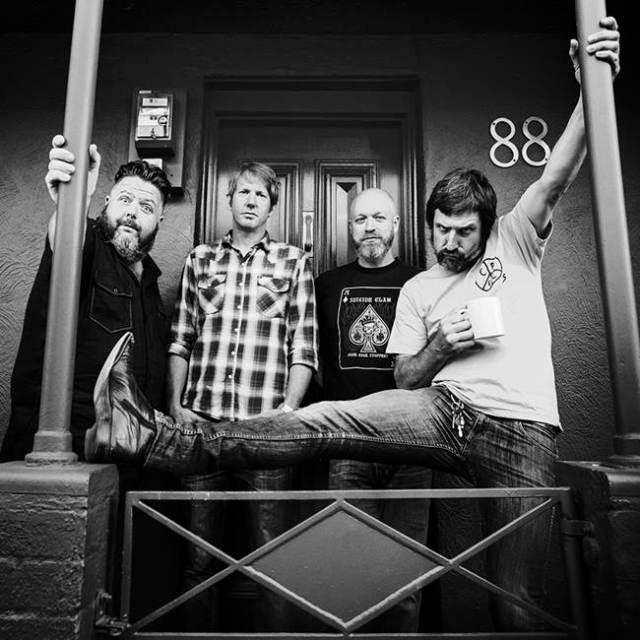 La banda australiana The Meanies estarán de gira por nuestro país.