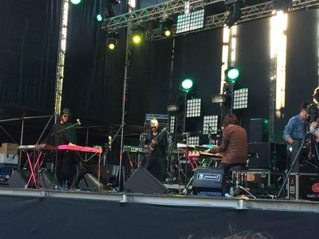 Mucho durante su actuación en el festival Tomavistas.