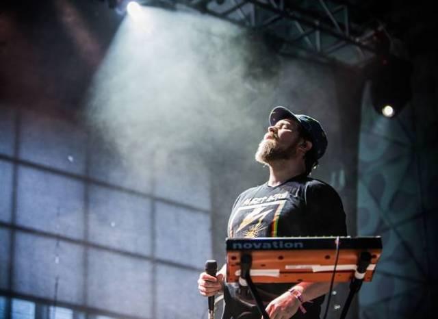 John Grant durante su concierto en Mad Cool Festival.
