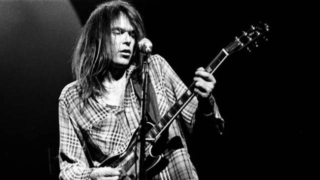 Neil Young actuara en Madrid y Barcelona.