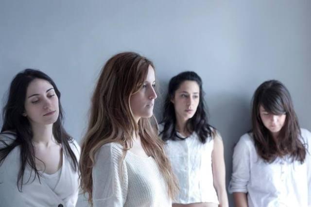 Penny Necklace se lanza ahora con un intercambio de versiones con bandas cercanas.