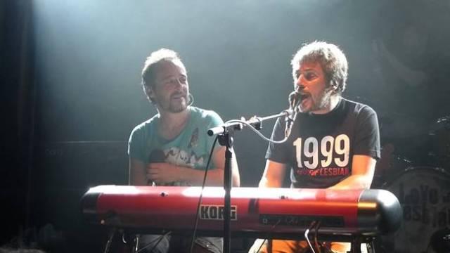 Iván Ferreiro con Santi Balmes.