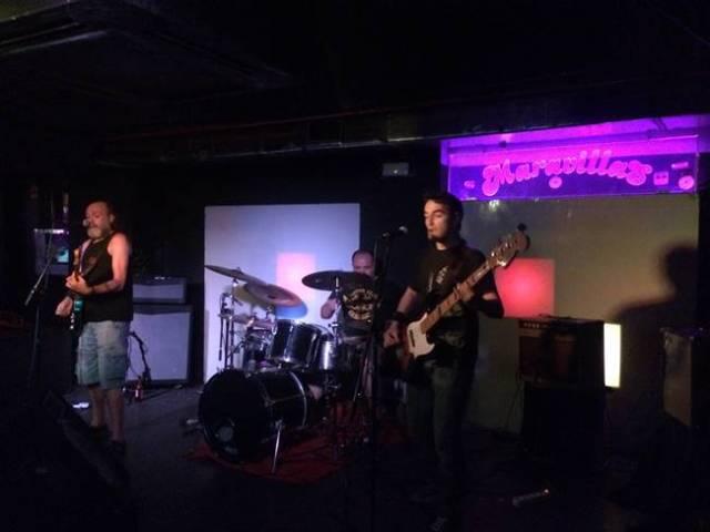 Los Clarens pusieron punto y final al concierto en Maravillas Club