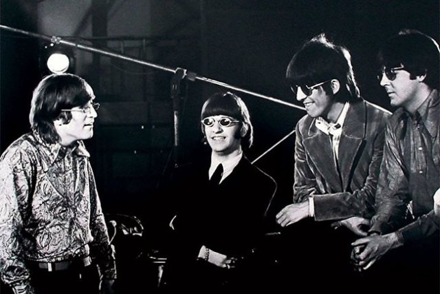 ¨Revolver¨se estreno un 5 de Agosto de 1966 y supuso el séptimo álbum de The Beatles.