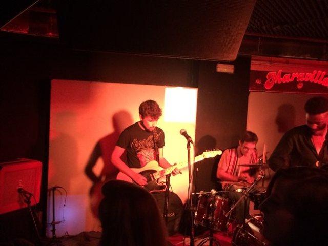 Miguel Polonio durante el concierto de Tangerine Flavour en Maravillas Club