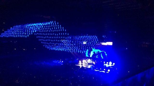 Juego de luces durante el concierto de Red Hot Chili Peppers