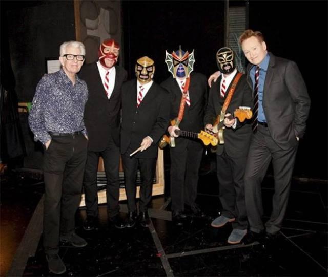 Nick Lowe y Los Straitjackets tocarán en Gijón