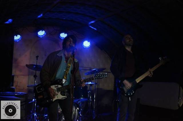 El ciclo de Noisy Thursday comenzo con los conciertos de Látigo Mantra y de Mirloblanco