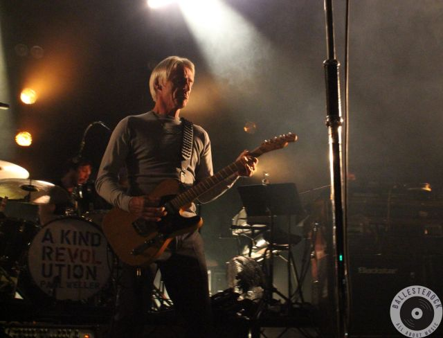 Paul Weller estuvo presentando ¨A Kind Revolution¨
